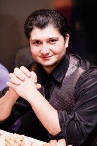 Денис Саков